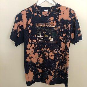 Hawaiian Islands Unisex Upcycled Bleached T-Shirt